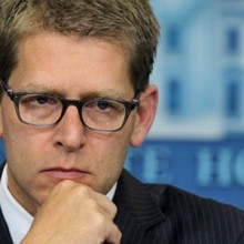 jay-carney-HOLDS-daily-briefing-220x220