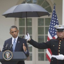 obama-marine-umbrella
