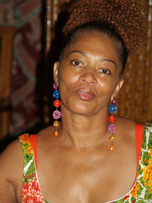 Terry_McMillan_at_the_2008_Brooklyn_Book_Festival