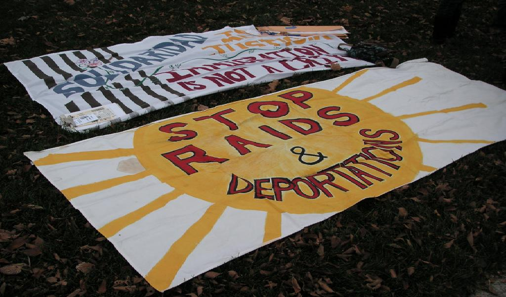 Counter protest at the Tea Party Against Amnesty and Illegal Immigration in St. Paul on November 14, 2009