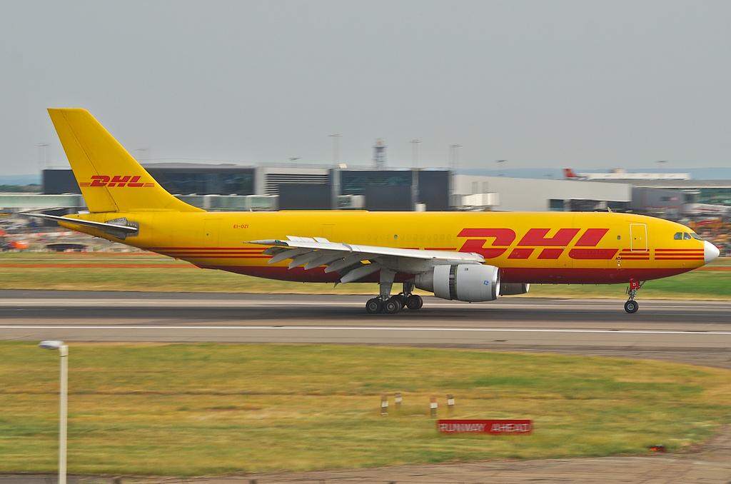 DHL Airbus A300B4-203(F); EI-OZI@LHR;05.06.2010/576nd
