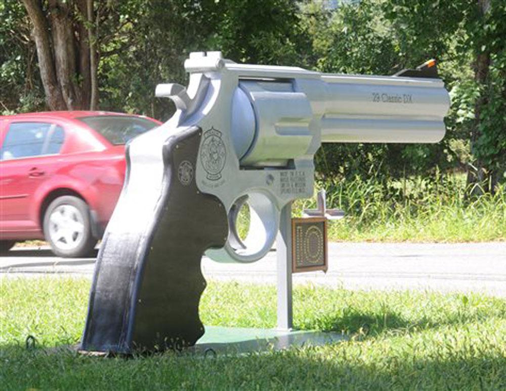 Gun shaped mailbox New Jersey
