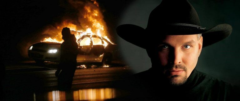 Garth Brooks Cancels Tonight Show Appearance – Aligns Himself with Ferguson Rioters