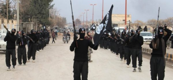 isis-soldiers-marching-685x320