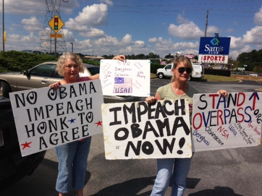 overpasses-for-obama-impeachment-protestors