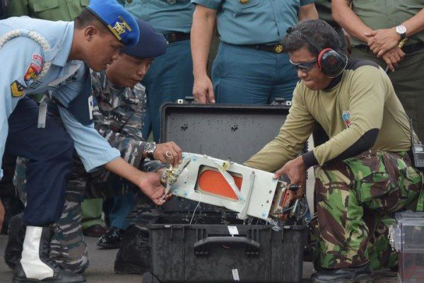 AirAsia-Flight-QZ8501-Black-Box_0