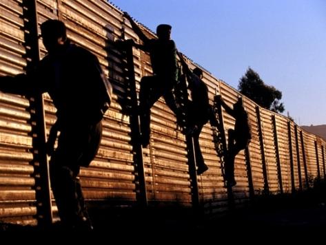 Border-fence-illegals