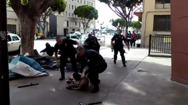 la police shoot homeless man