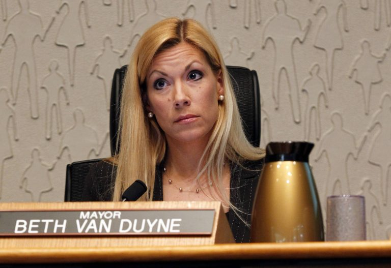 """Texas Mayor Doubles Down on Islamists Who Want Sharia in Irving: """"I'm Not Going to be Bullied"""""""
