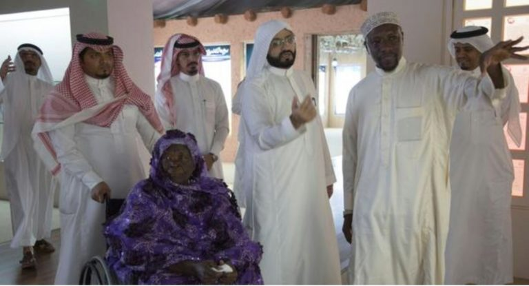 "Barack Obama's Family Visits Mecca – Shares ""The Pure Image Of Our Great Muslim Religion"""