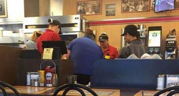 waffle house employees pray