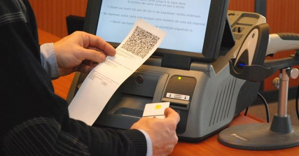 Electronic_Voting_Machine_Belgium