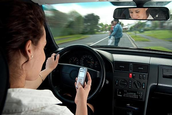 Texting-and-driving-in-Florida1