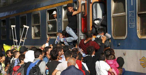 refugees-train