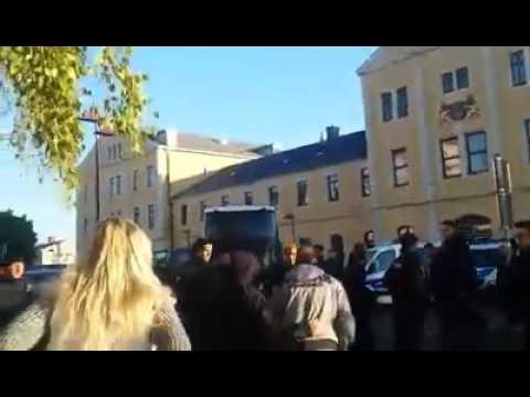 germans block migrant buses