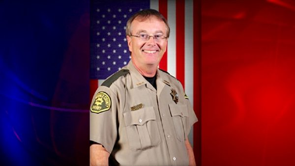 Anti-gun-Des-Moine-County-Sheriff-Mike-Johnstone-Negligently-Shoots-Himself-in-the-Hand