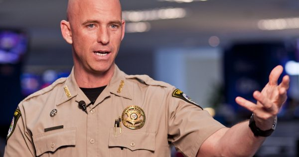 AZ-Sheriff-to-Obama-at-Gun-Control-Town-Hall-Meeting-I-don't-Want-Your-Endorsement