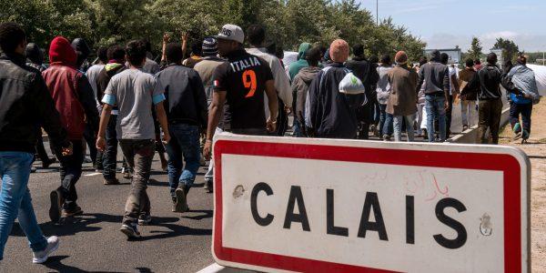 o-CALAIS-REFUGEES-facebook