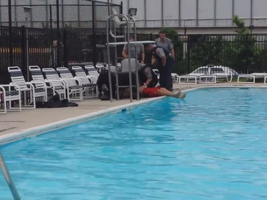 virginia lifeguard tries to drown himself