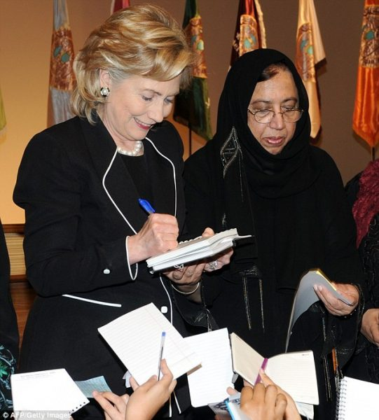 3777CAA100000578-3751777-US_Secretary_of_State_Hillary_Clinton_2nd_L_is_pictured_with_Sal-m-16_1471801572306