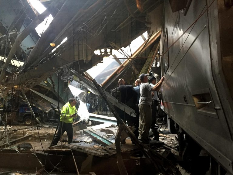 NY Governor Raises Possibility NJ Train Crash at Hoboken Terminal Was Work Of 'Our Enemies'
