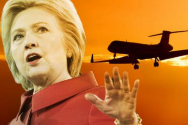 hillary-clinton-removed-state-security-from-plane-to-put-clinton-foundation-executives-on-board