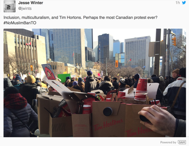 Hundreds of haters protest at U.S. Consulate in Toronto: US closes consulate