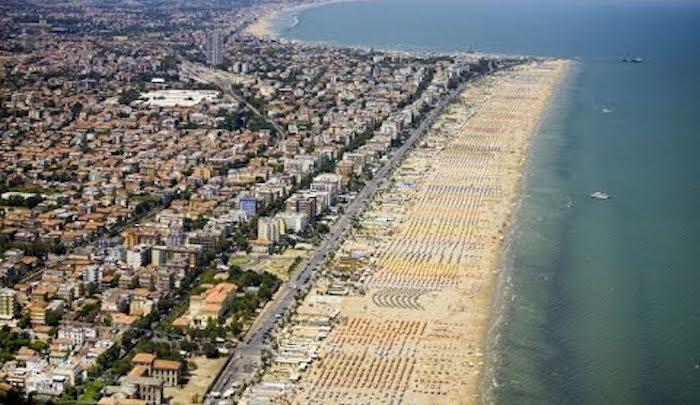 Italy: Muslim Migrants Beat Polish Tourist – Gang-Rape His Wife On Rimini Beach