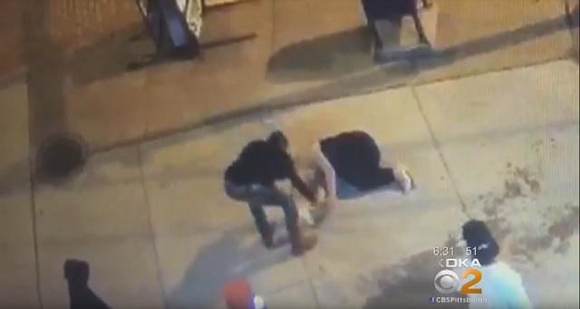 Pittsburgh: Thug Knocks Woman Out, Witnesses Rob Her And Take Selfies Rather Than Call 911