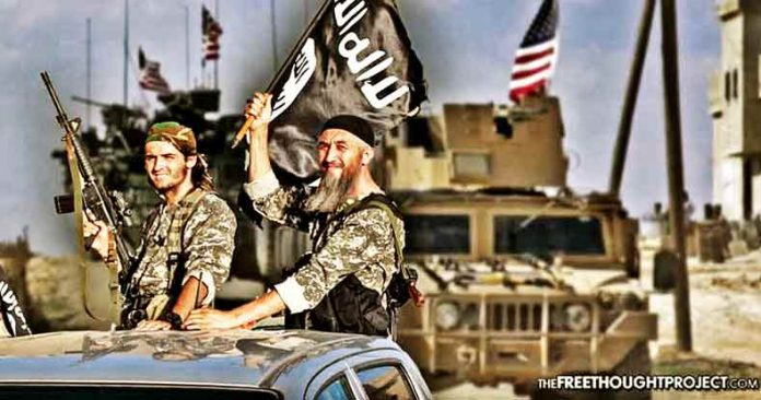 U.S. Seen Airlifting ISIS Leaders to Safety to Reconstitute America's Proxy Army in Syria