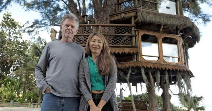 Gov't Forcing Couple to Tear Down Amazing Treehouse On Their Property—Or Else