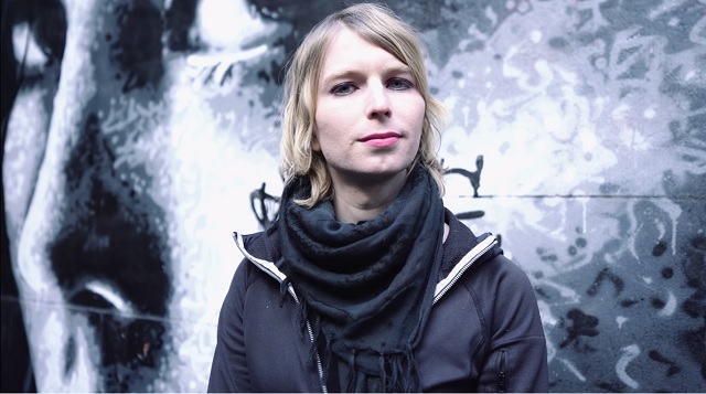 Chelsea Manning Threatens Suicide On Twitter