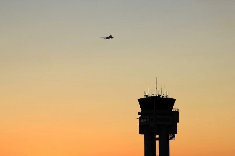 SHOCKER: Air traffic controller test seeks diverse applicants, promotes jobless sports goers over pilots, those with experience