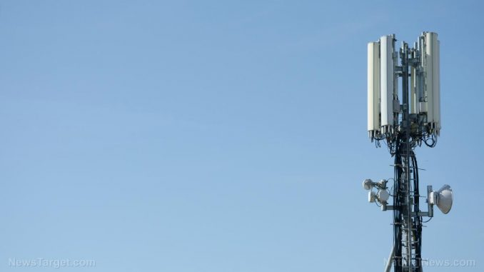 """5G Gag Order Lawsuit - Judge: """"People Have the Right to Know""""  Cellphone-Tower-Communication-Waves-Signal-678x381"""