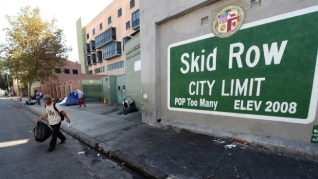 Voter Fraud: LA's Skid Row Homeless Bribed With Cash and Cigarettes for Fraudulent Signatures