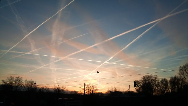 """After mocking """"chemtrails"""" for over a decade, global elites suddenly announce geoengineering plan to """"dim the sun"""" with aerial spraying"""