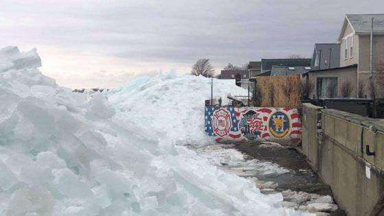 "Massive Windstorm Spawns ""ICE TSUNAMI"" On Lake Erie"