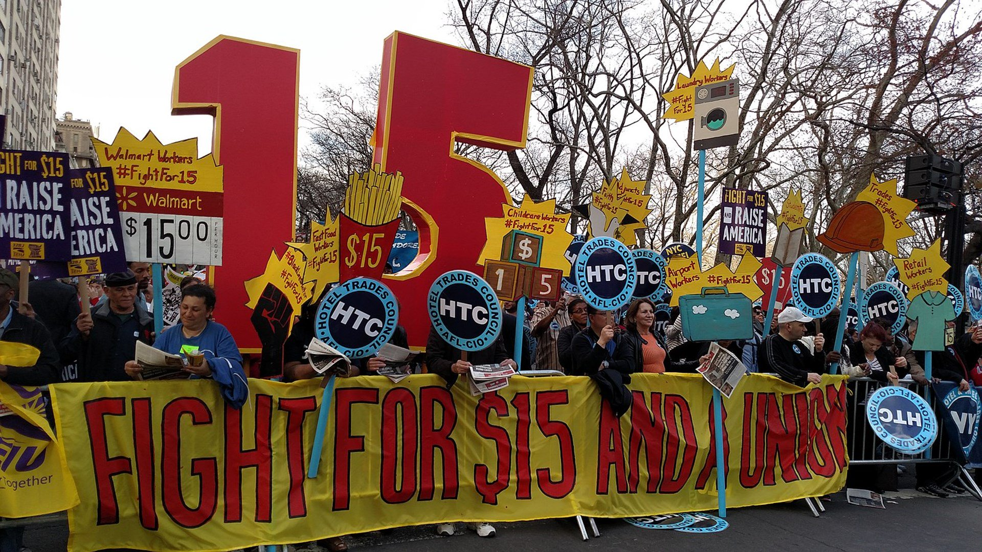 NYC Fast-Food Workers Stunned Some Are Being Fired after $15 Minimum Wage Hike