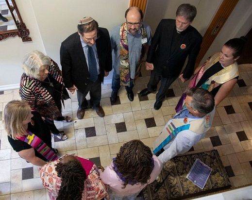 Demonic: Christian & Jewish clergy 'bless' abortion clinic in name of 'god'