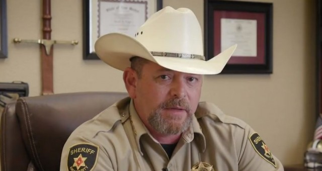 Constitutional Sheriff Calls For ALL of His Citizens to ALWAYS be Armed