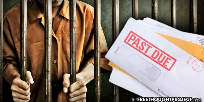 Struggling Dad Sent to Prison For Being Unable to Pay $1,941 Bill to the Gov't