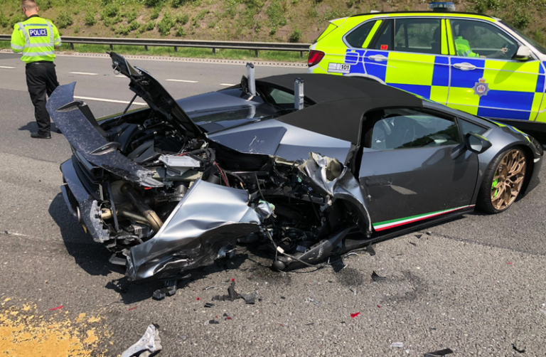 $266,325 Lamborghini Totaled 20 Minutes After It Leaves The Showroom