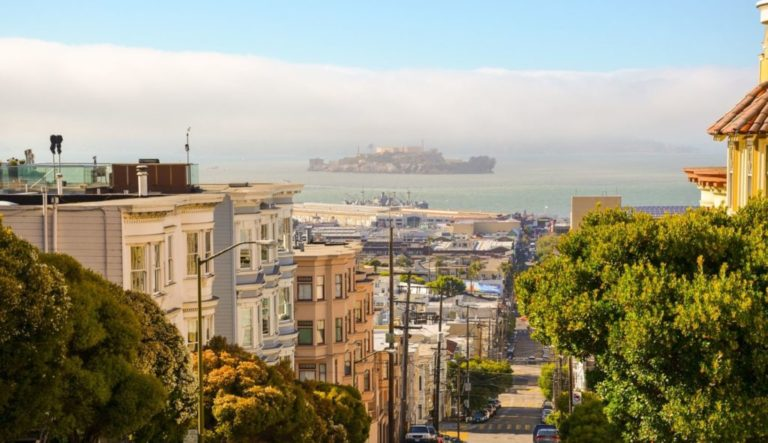 """Wealthy Homeowners In """"Mad Rush"""" To Flee San Francisco"""