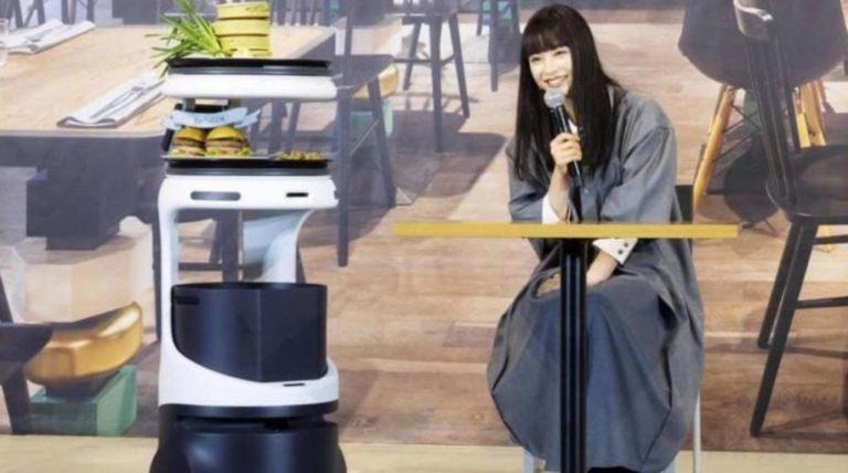 Autonomous Indoor Serving Robots Set To Invade Restaurants Near You