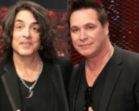 """Healthy, Fully 'Vaxxed"""" KISS Guitar Tech Dies Of… """"COVID"""" – Or Was It The Shot Itself?"""